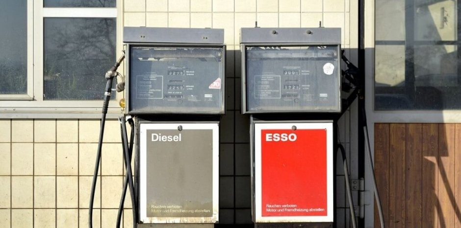 Two_Esso_petrol_pumps-1024x678-iloveimg-cropped